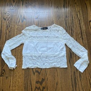 White Lace Long sleeve crop top